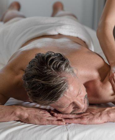 dasmei-wellness-selfness-behandlungen-massagen-handtuch-hotel-innsbruck-mutters-detail-1600x1000-02