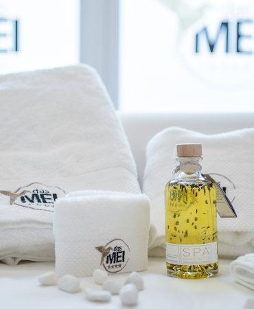 dasmei-wellness-selfness-behandlungen-massagen-handtuch-hotel-innsbruck-mutters-detail-1600x1000-04